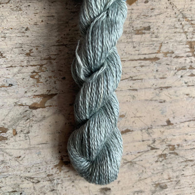 Trava Pure Silk Micro Skeins / Embroidery Threads Trava & Wool Yarn 28 Lt Green-Blue