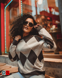 Diamond Print Round Neck Sweater