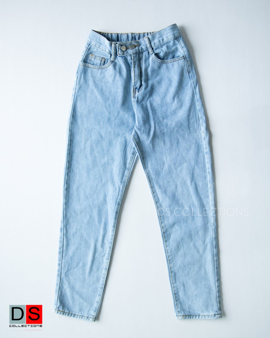Boyfriend Jeans With Elastic At Back Side
