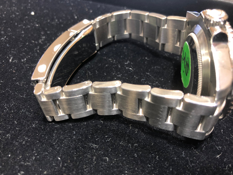 "Rolex ""HULK"" Submariner Oyster Perpetual Date, Green Dial, Stainless Steel, 40MM, Model 116610LV - Pawn212"