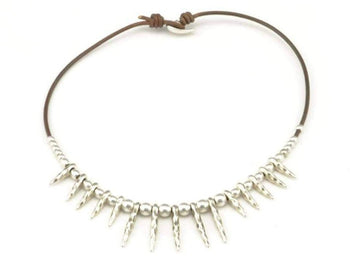 spike necklace for woman