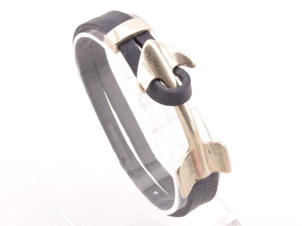 leather bracelet with arrow clasp