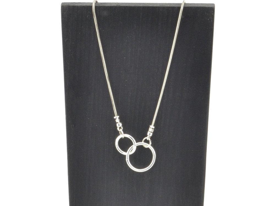 interlocking circles necklace, infinity necklace, dainty necklace
