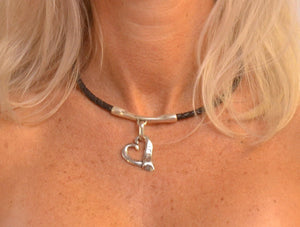 womens-leather-necklace-with-heart-pendant-fromportugal.myshopify.com