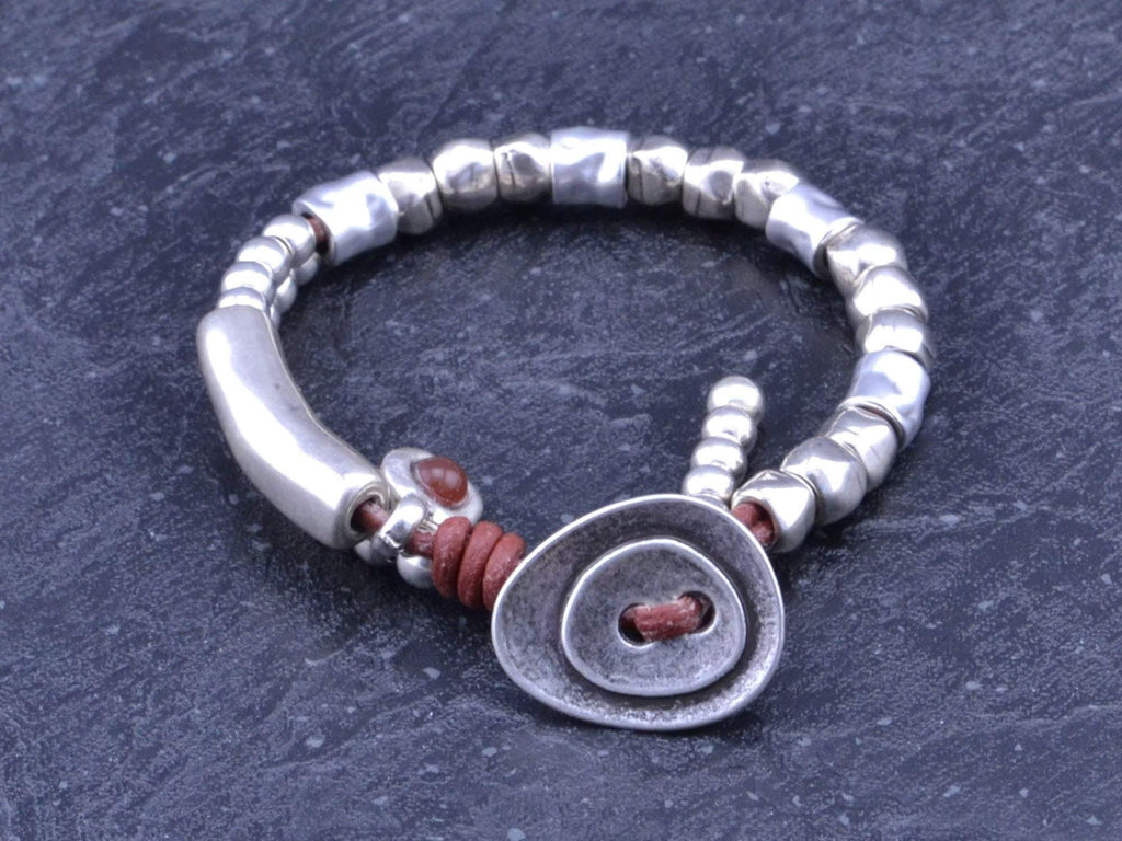 beaded bracelet with button clasp