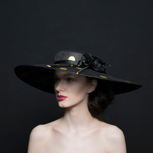 Large black brim hat with gold spots and silk black roses, Ascot