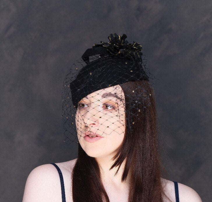 Twinkle the night away- black pill box hat