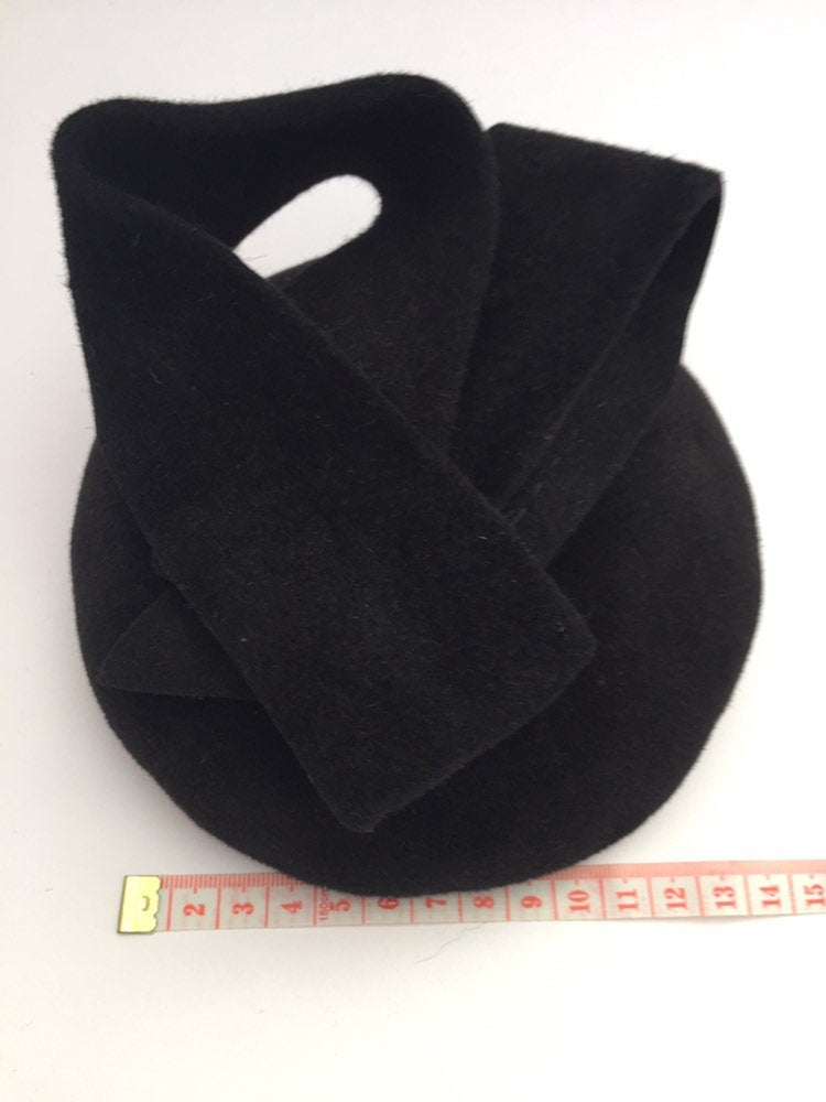 Mini black felt button beret/hat with sculptural beret