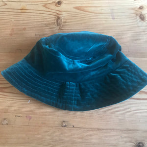 Blue velvet bucket hat