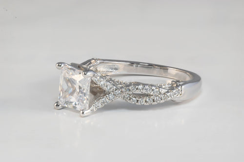 Crux - Diamante Stone Ring With Two Twisted Diamante Bands - Jewels of Jupiter