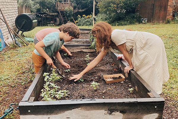 Planting A Garden – A Guide For Your Small Folk