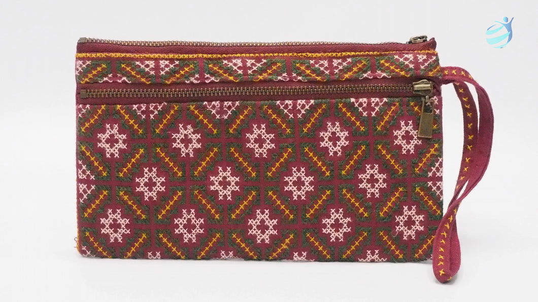 Handmade hill tribe embroidery purse: CMP002