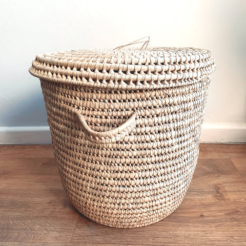 The Lovers' Basket with Lid