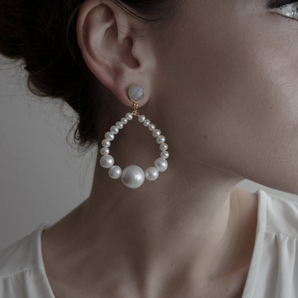 PEARL HALO || EARRINGS