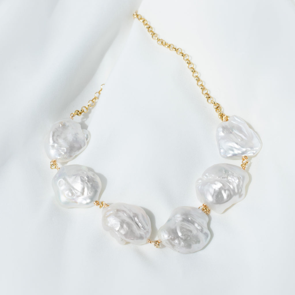 BAROQUE PEARL X CHAIN NECKLACE