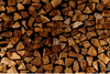 How To Choose and Store Firewood For Your Next Bonfire
