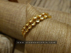 Classic drop string bangle