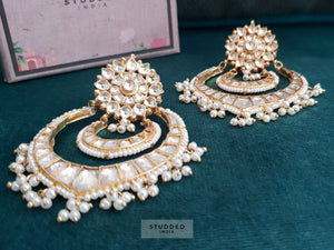 Classic kundan chaand earrings