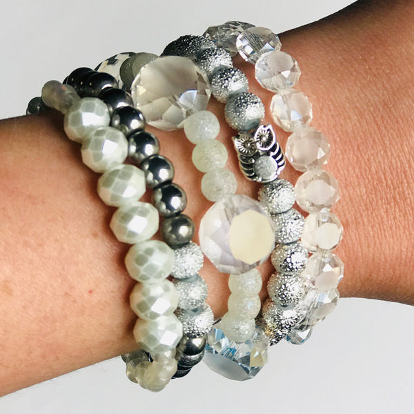 The Muted Owl - Stackable Stretch Bracelets in Clear & Gray/Silver (Set of 5)