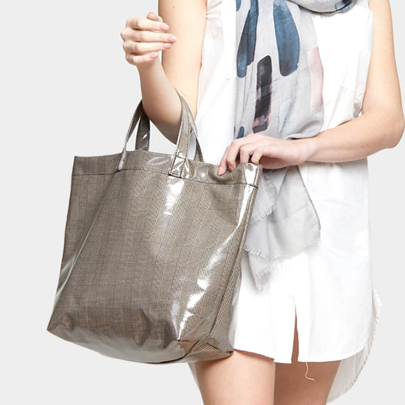 Laminated Plaid Print beach tote - brown