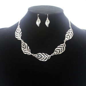 LEAF & FEATHER NECKLACE SET