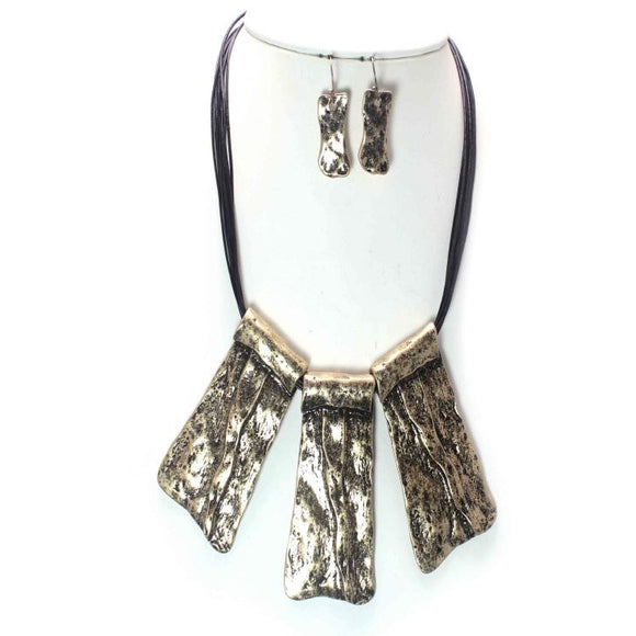TRIBAL NECKLACE SET
