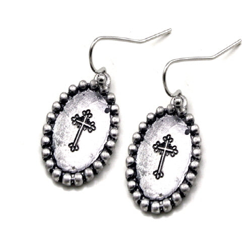 Oval Cross engraved earring - Silver