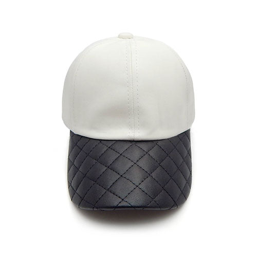 Quilted leather hat -white