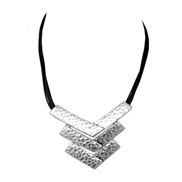 Tribal casting necklace set - silver