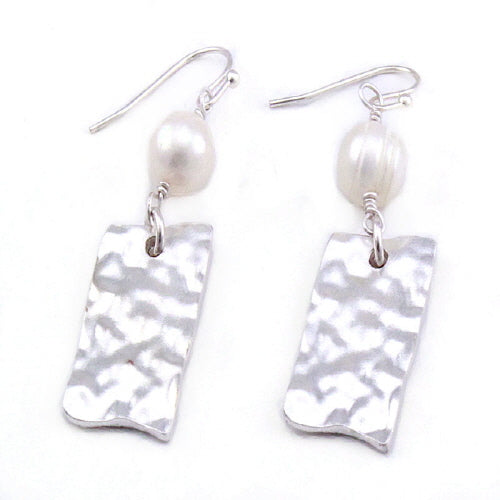 PEARL & RECTANGLE EARRING