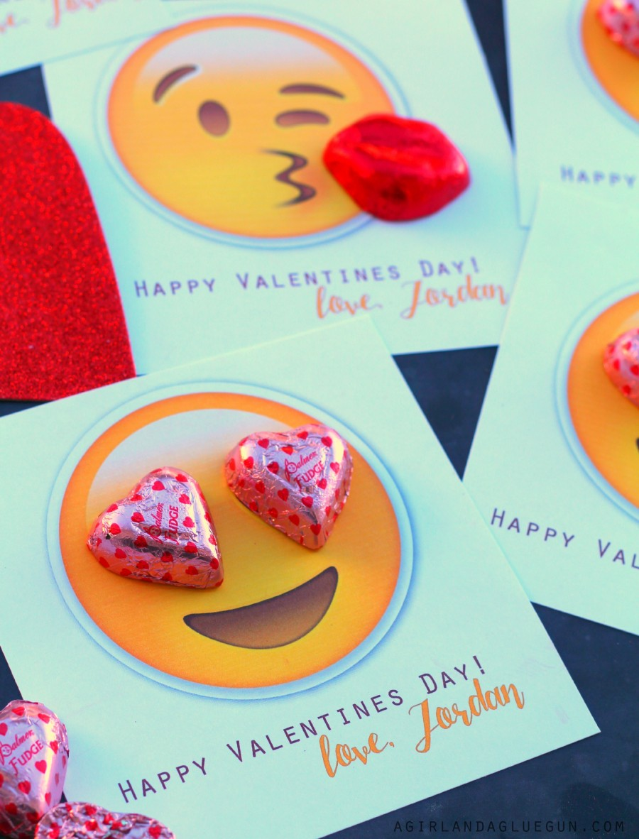 Valentine's Day crafts for kids Valentine's card emojis