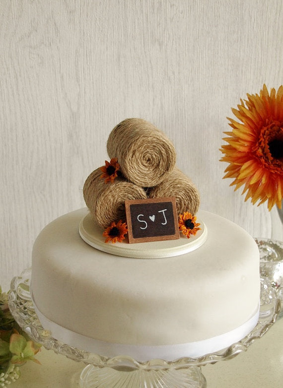 Hay bale cake topper