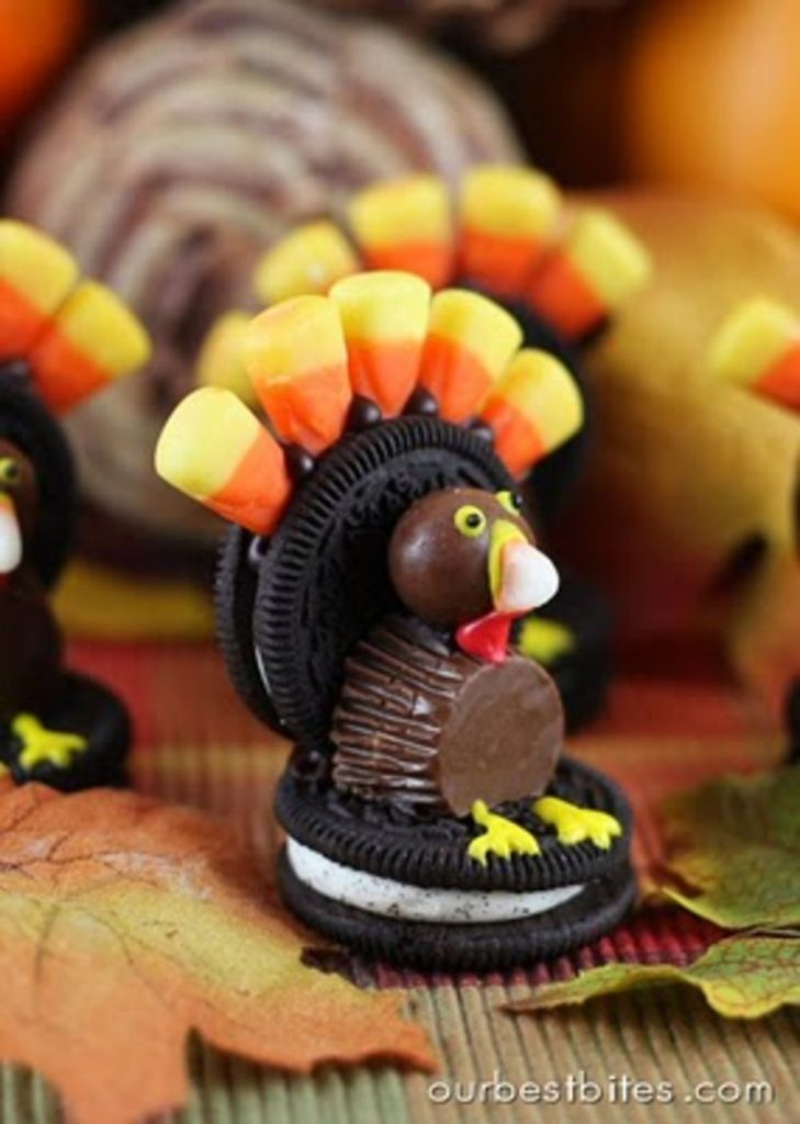 Oreo Turkey shaped desserts for Thanksgiving