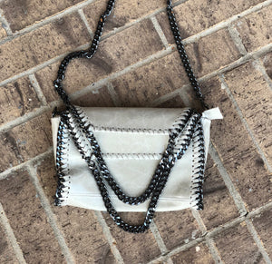 ITALIAN LEATHER DOUBLE CHAIN STRAP PURSE