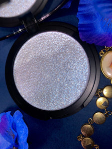 Saint Bluebelle Highlighter