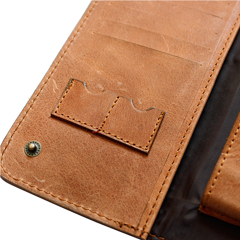 Conquest Travel Wallet - Escape Society