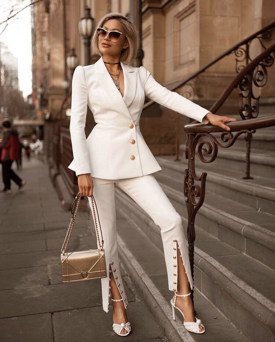 sosesc intra online ieftin 2019 newest white jacket with buttons and pants two piece sets ...