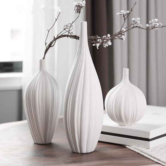 New Arri Chinese Jingdezhen Porcelain Creativity Modern Style White Vases Ceramic Vases for Wedding Home Decoration Gifts 4