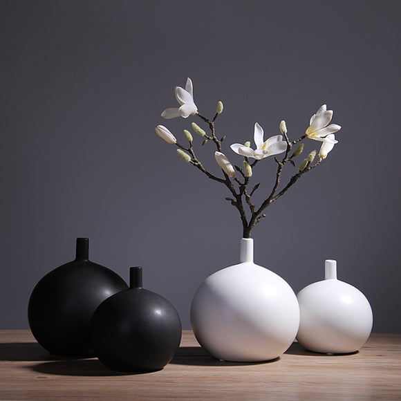 Nordic modern black and white ceramic hydroponic vase round ornament table flower Vases home decoration ornaments spherical