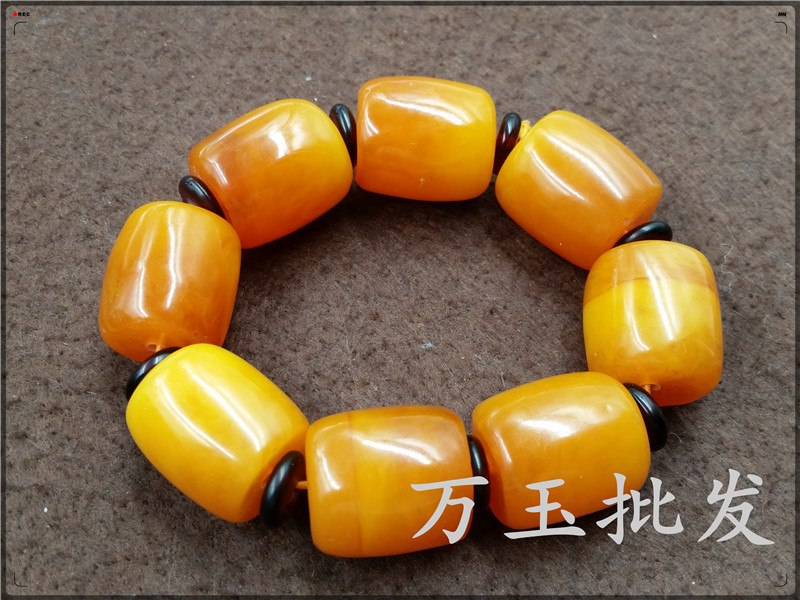 factory wholesale boutique high-end Mens Large chicken oil yellow amber  beeswax hand string bead bracelet amber tube