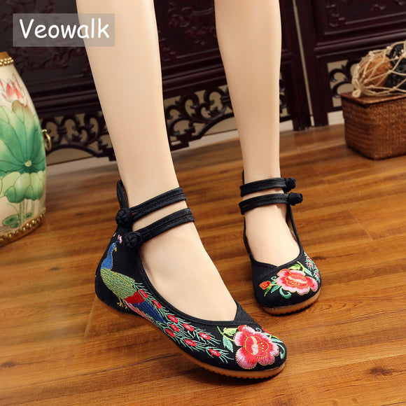 Veowalk Big Size 34-43 Chinese Style Peacock Embroidery Women's Flats Old Peking Soft Sole Casual Breathable Cloth Shoes Woman