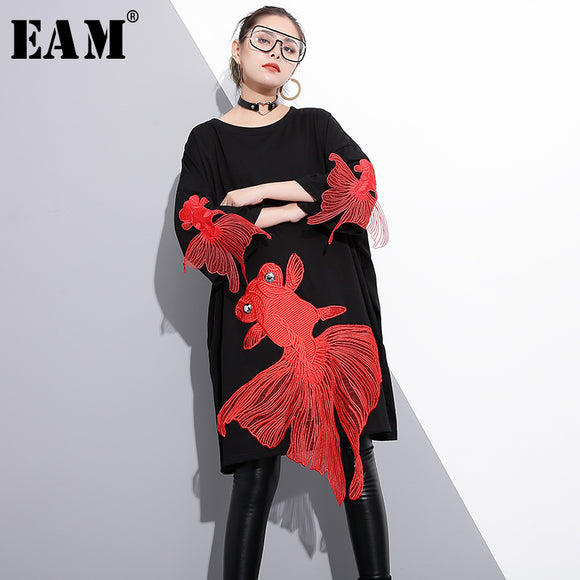 [EAM] 2018 new spring round neck long sleeve red fish embroidery split joint loose