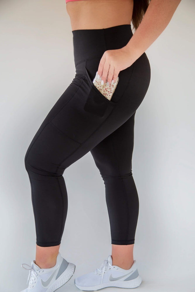 7/8 Length Pocket Scrunch Legging - Black