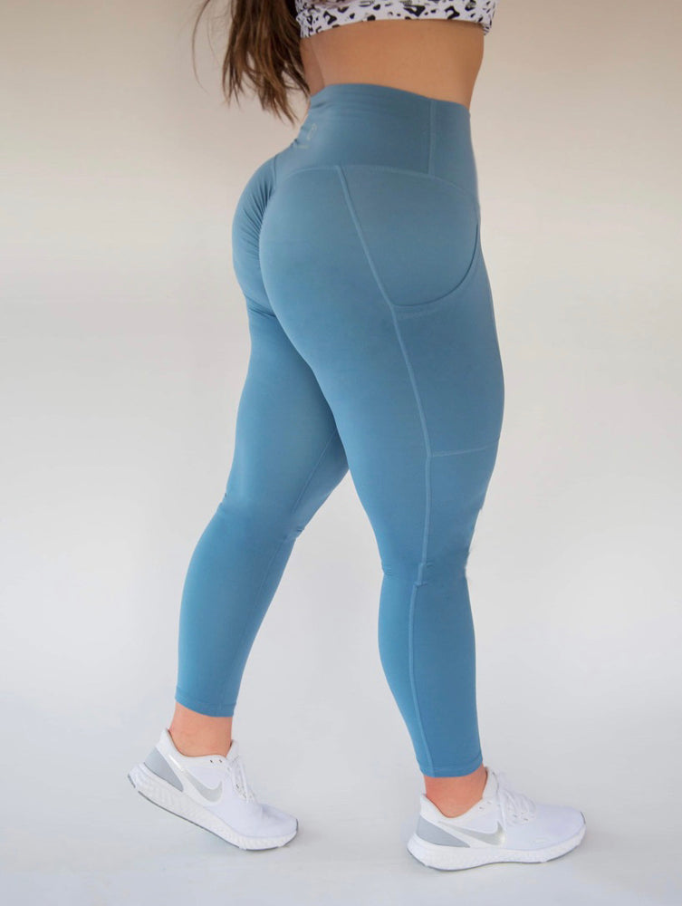 7/8 Length Pocket Scrunch Legging - Pacific Blue