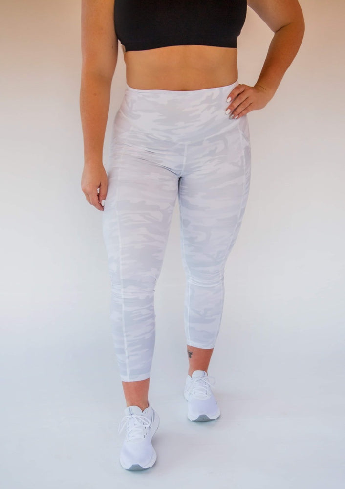 7/8 Length Pocket Legging - Snow Camo