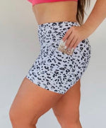 "4"" Mild-Scrunch Pocket Shorts - White Cheetah"