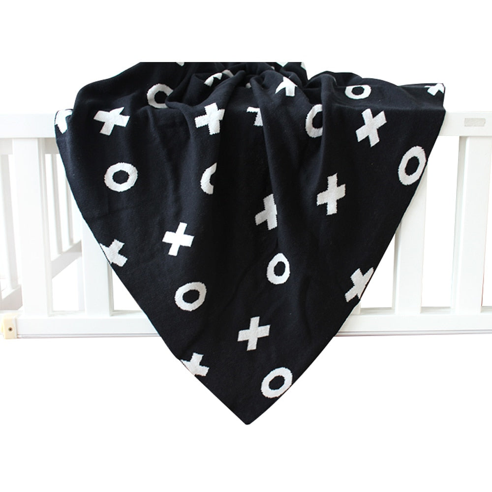 XOXO Black and White Blanket