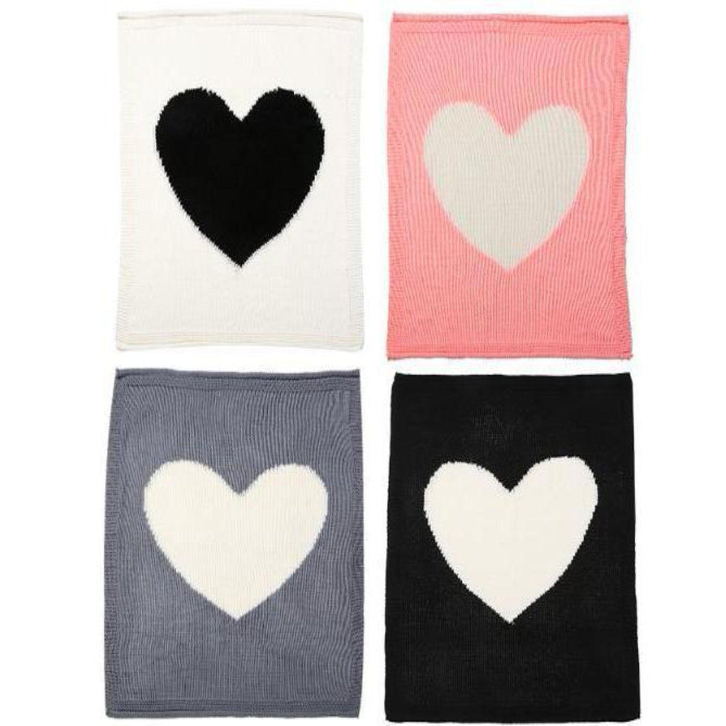 4 colors available Baby knit blanket with oversized contrast heart for playroom baby nursery and children bedroom