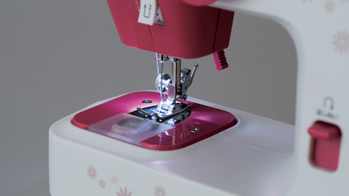Nuetta Sewing Machine