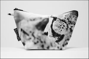 Triangle Toiletry Bag BW Two Cheetahs